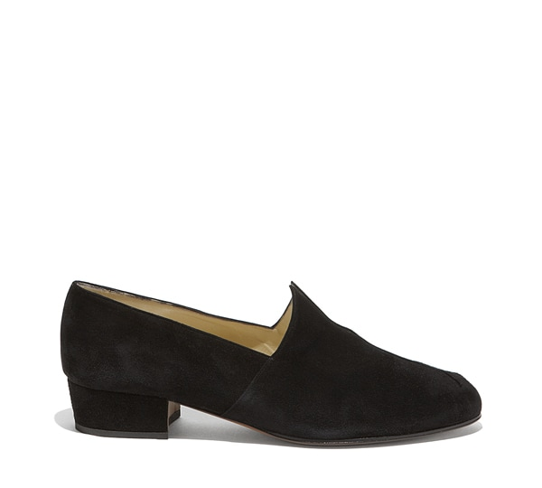 Grace closed-toe shoe
