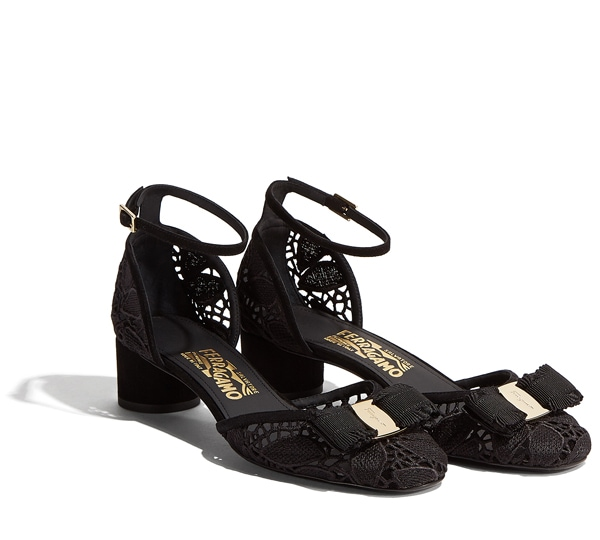 Detailed Lace Sandal with Vara Bow