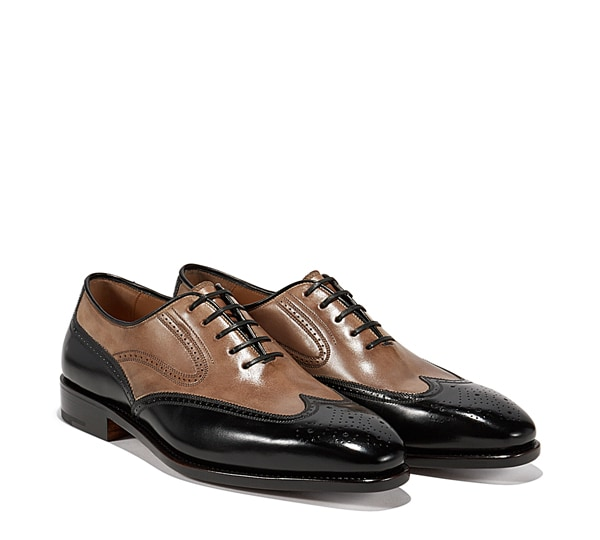 Wing tip Oxford shoe