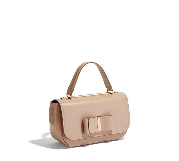 Medium Vara flap top handle bag