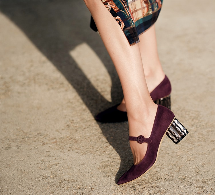 Salvatore Ferragamo REFRACTED HEEL MARY JANE blackberry的圖片搜尋結果
